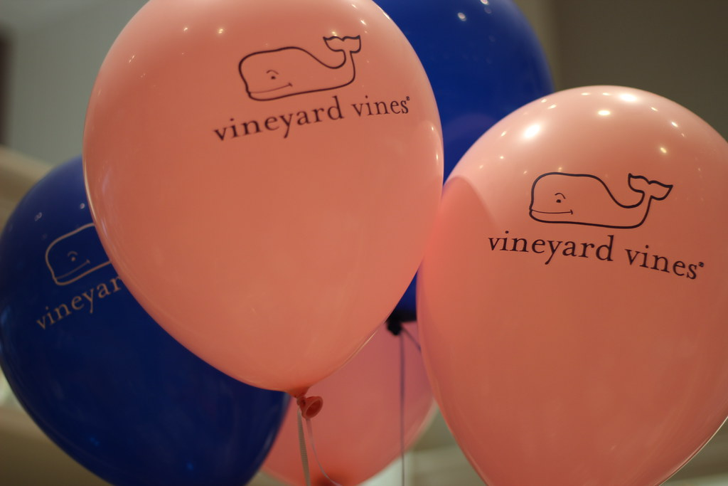 Vineyard vines hingham in store derby shoppes and kentuc
