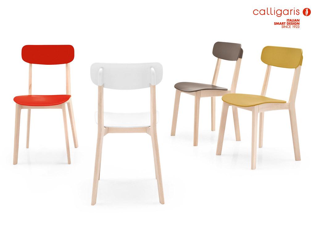 Sedie in legno da cucina wooden chairs nella foto la for Sedie legno cucina