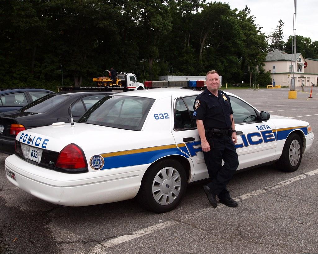mta sergeant with ford interceptor patrol car mta police flickr. Black Bedroom Furniture Sets. Home Design Ideas