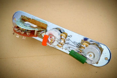 all-about-pickups-potensio--wiring--capasitor--dan-electricity-pada-gitar-dan-bass