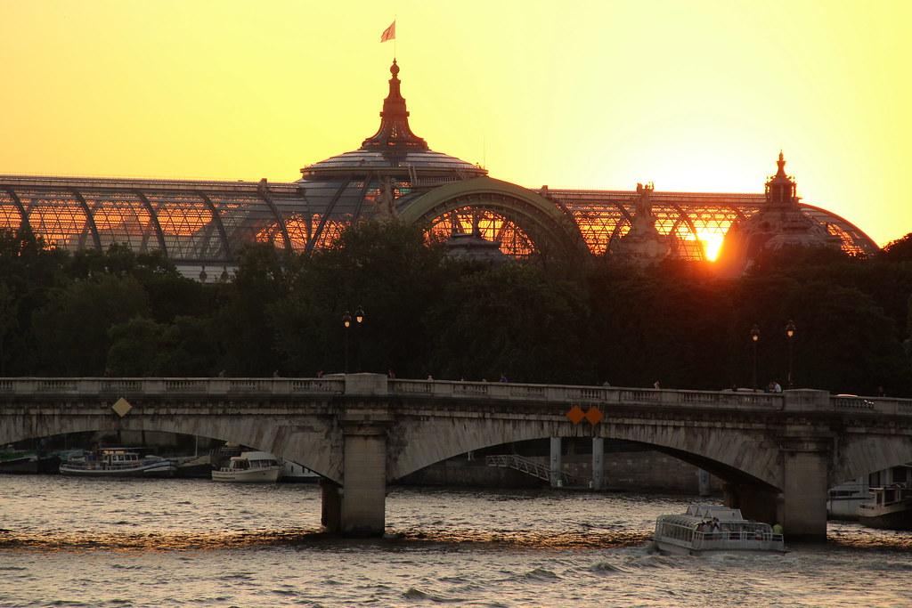 Coucher de soleil sur les quais de seine orsay paris sylvain roche flickr - Coucher de soleil sur paris ...