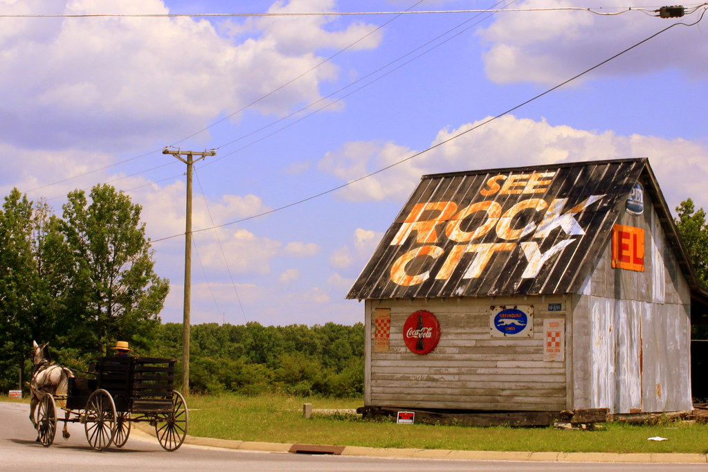 see rock city barn in amish country