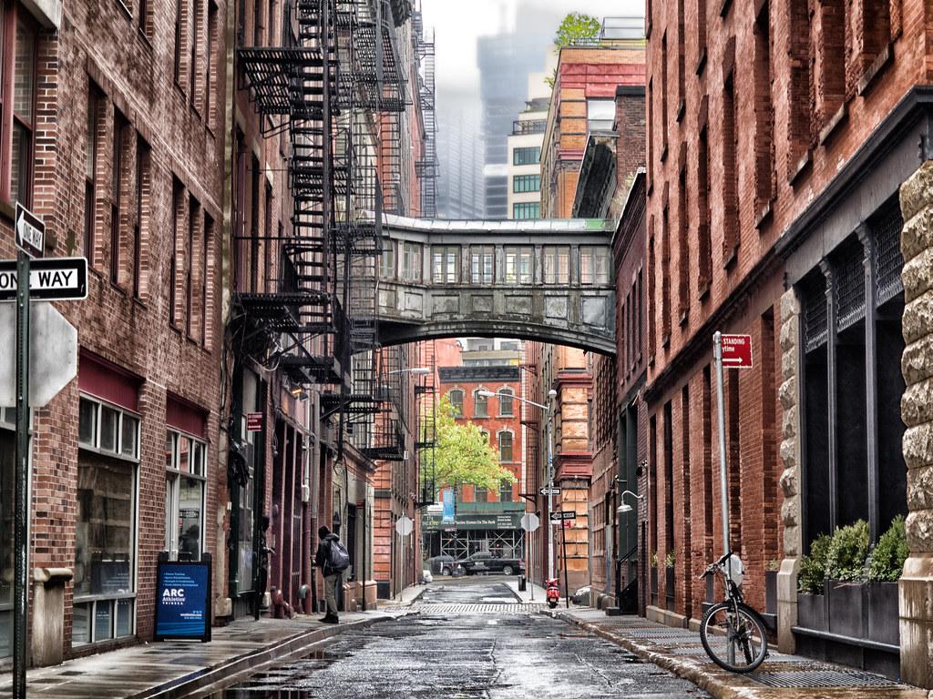 Staple street sky bridge tribeca landmark the lowest for Best old pictures