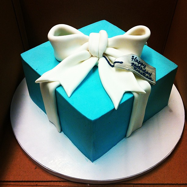 Birthday Cake Gift Images : Tiffany gift box birthday cake! Polkadots (Olga) Flickr