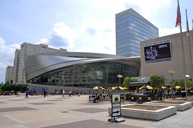 Best Places to Stay Near the NASCAR Hall of Fame