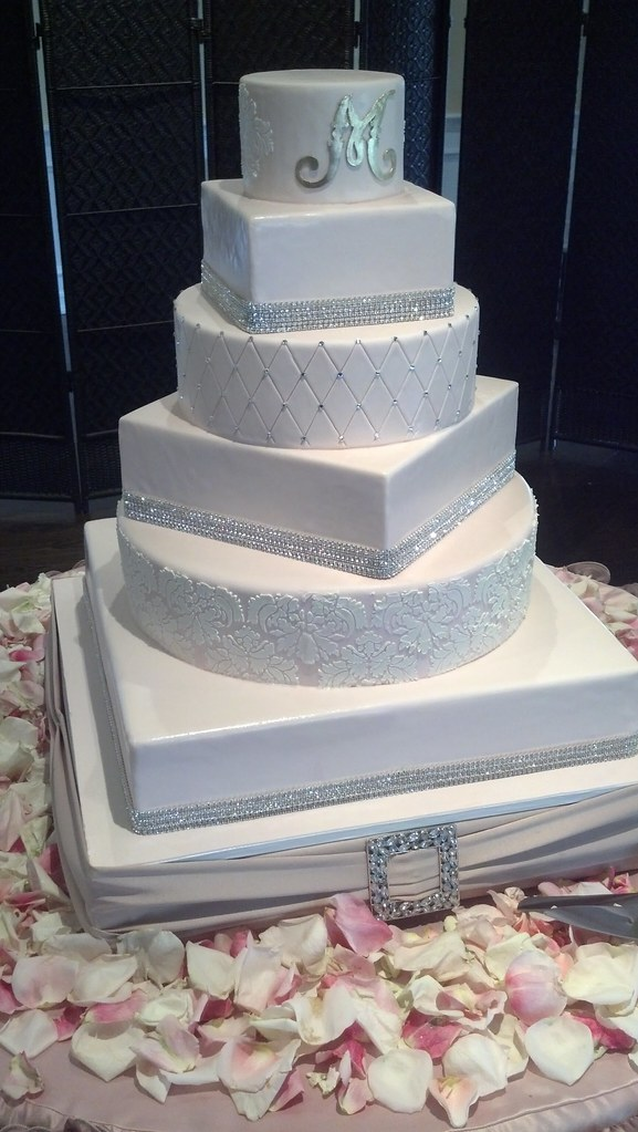six tier wedding cakes white extravagant wedding cake 1191 six tier cake 7530