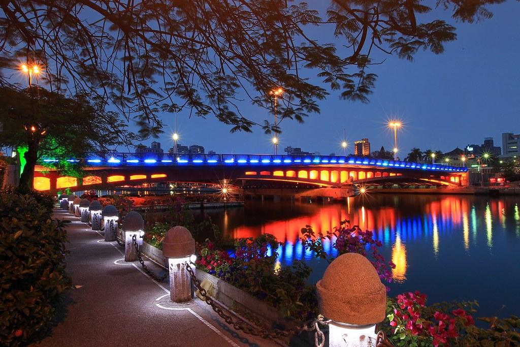 高雄愛河 Love River Kaohsiung Taiwan 高雄愛河 從小到大對愛河的印象一直在改變