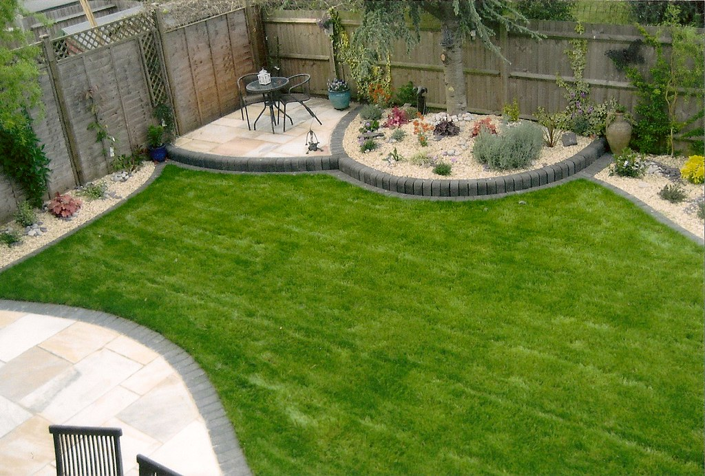 Grass Semi Circle Planters Patio | New Forest Landscapes   Qu2026 | Flickr