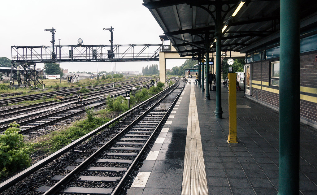 s bahnhof tempelhof s bahn train station in southern berli flickr. Black Bedroom Furniture Sets. Home Design Ideas