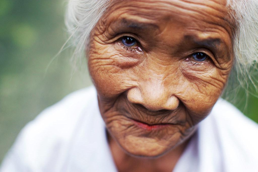 olderwoman indonesia