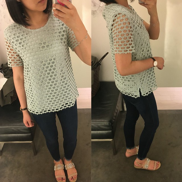 Ann Taylor Scalloped Lace Tee in , size XS regular