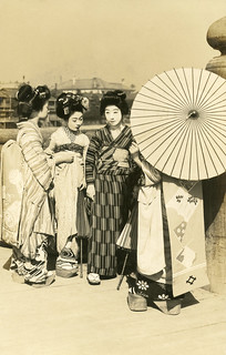 Geiko and Maiko on a Sunny Day 1910s | by Blue Ruin1