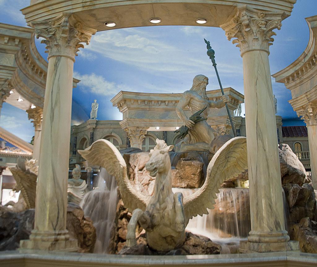 Statues of pegasus and zeus caesars palace las vegas for Garden statues las vegas nv