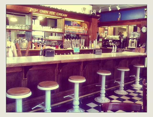 Goody S Old Fashioned Ice Cream Parlor Soda Fountain