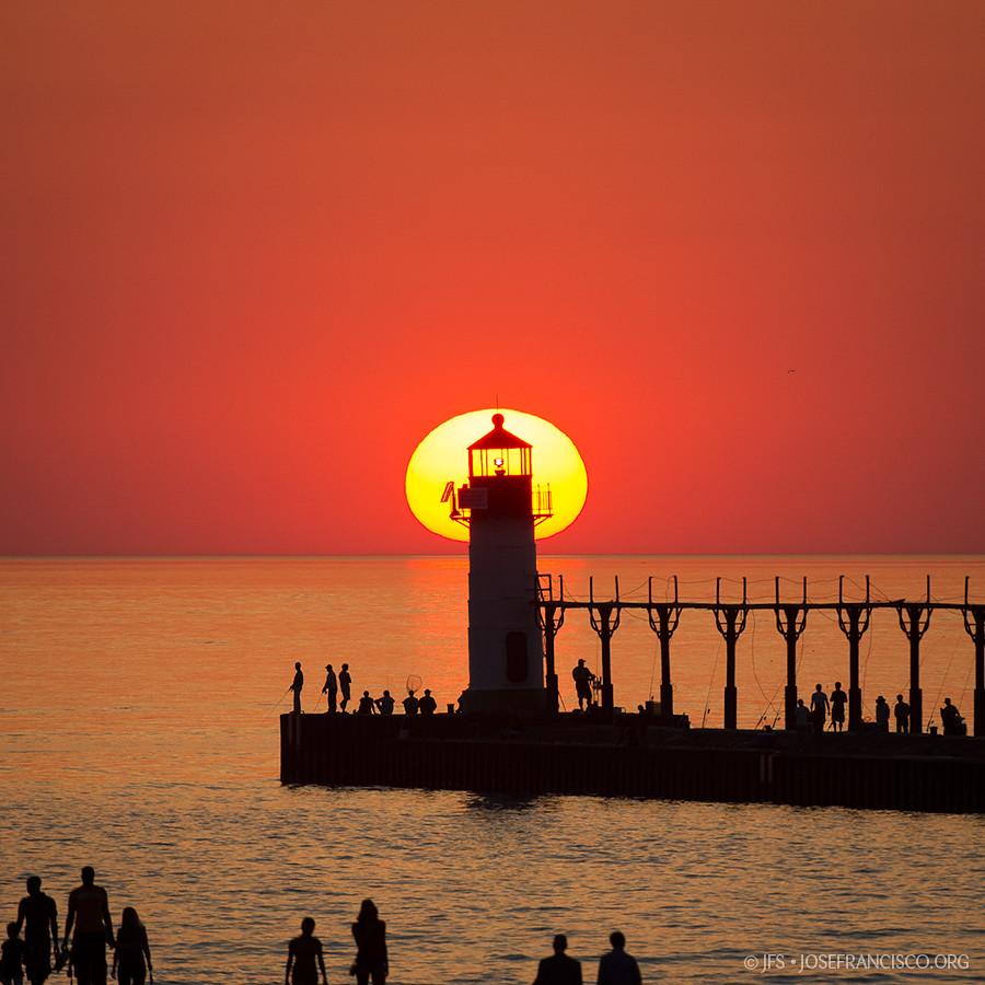 North Pier Lights Sunset 2531 Nikon D4 200 400mm F