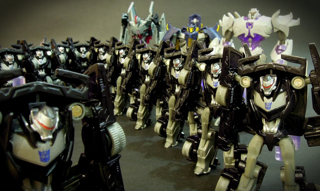 The Decepticon Army | I'm too poor to troop build deluxes ...