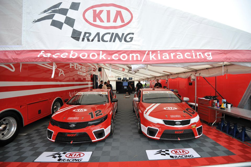 Kia Racing Kia Racing Kia 39 S First Ever Road Racing