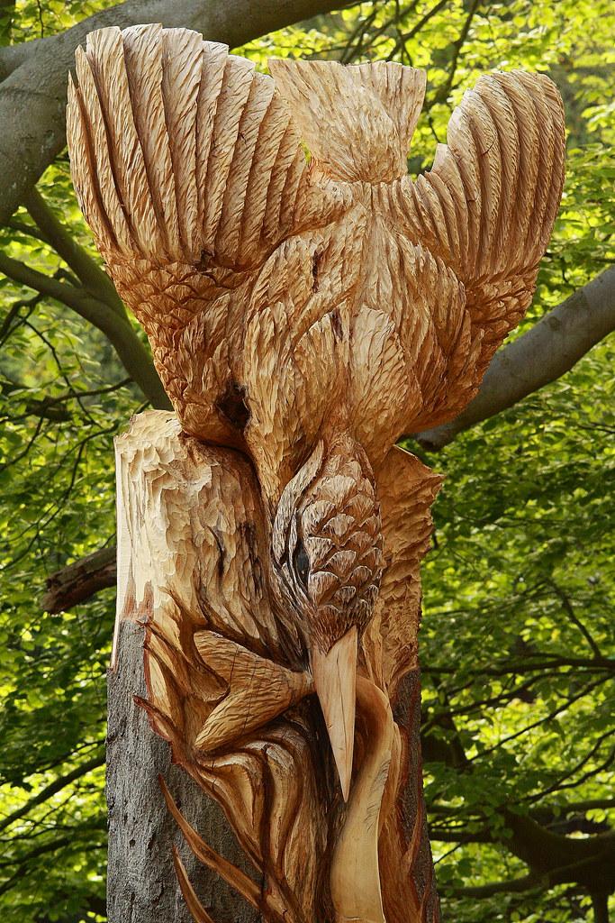 Knaresborough kingfisher tree sculpture a very nice