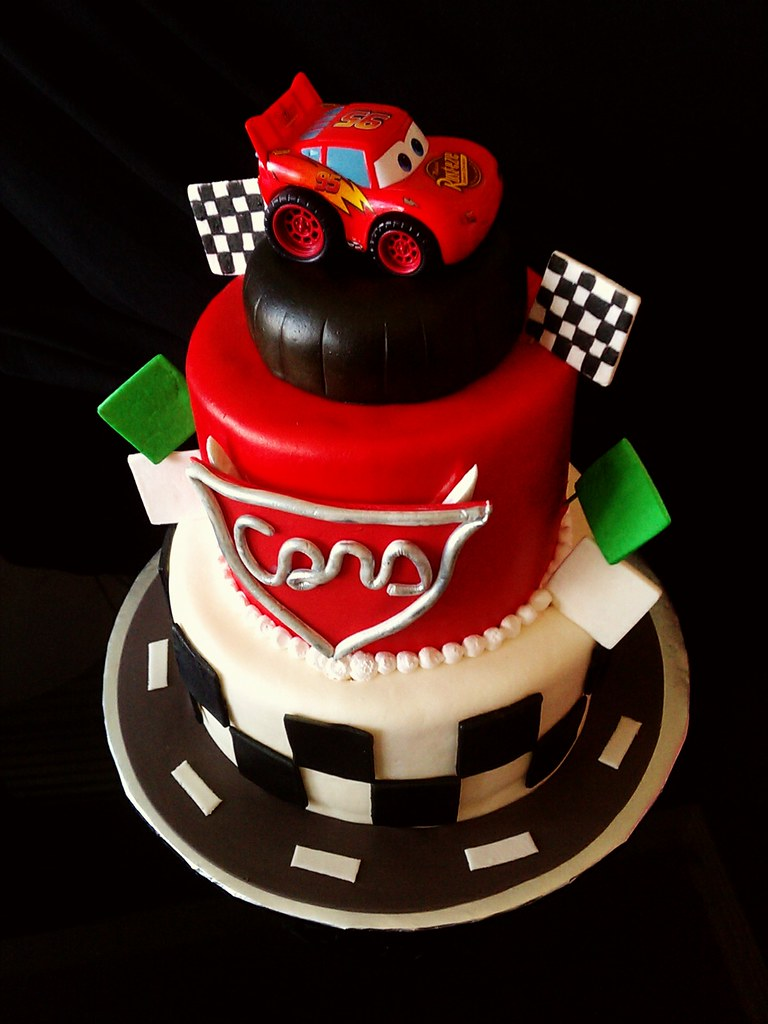 car themed cake cars theme birthday cake mildtoowildcakes 2446