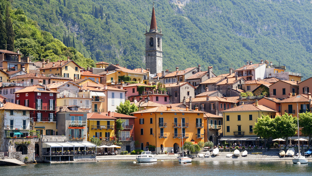 lake como single christian girls Fourteen year old summer is spending july and august at lake como, italy with her mother she doesn't know it yet, but her parents are about to drop a bad-news-bomb that will change her life.