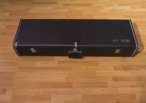 Roland SH-1000 - Case