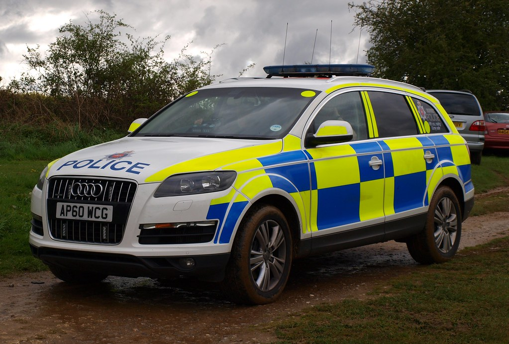 Surrey Police Audi Q7 Armed Response Vehicle Ap60 Wcg