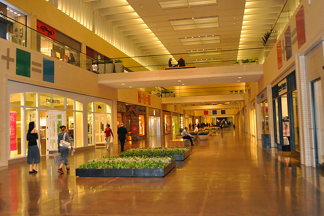 Northpark Center is located in a vibrant area of Dallas known for its array of dining options and great live music scene. You'll have your pick of hotels and other lodging options within 5 miles of Northpark Center, so you will have a place to rest your head after exploring the area.