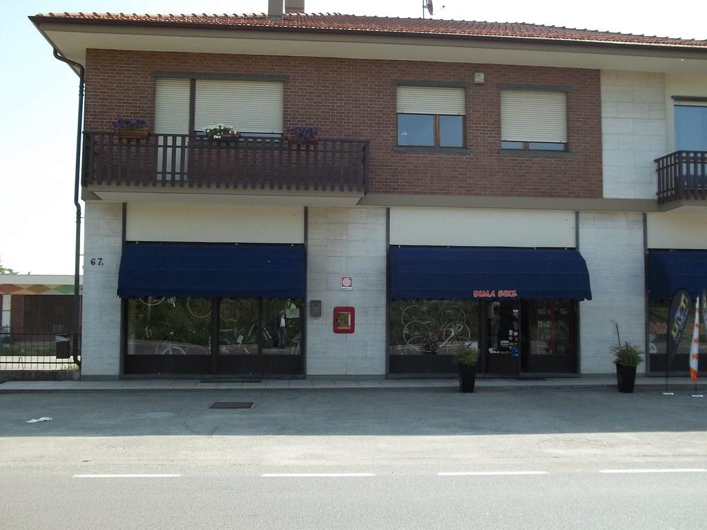 Capottine per negozi torino 7 for Negozi arredamento torino e provincia