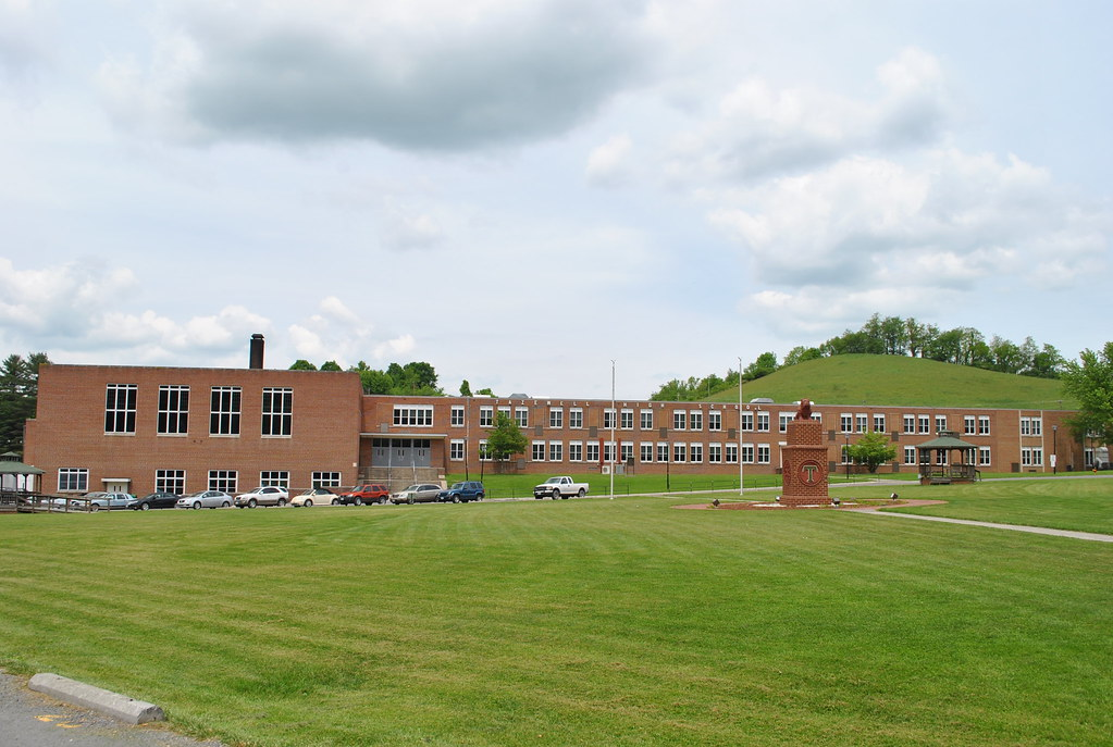 TAZEWELL HIGH SCHOOL | Good ole Tazewell High School. Home ...