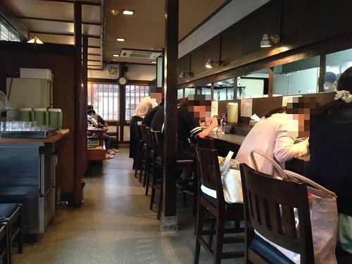 toyama-fuchumachi-ramen-kaede-inside
