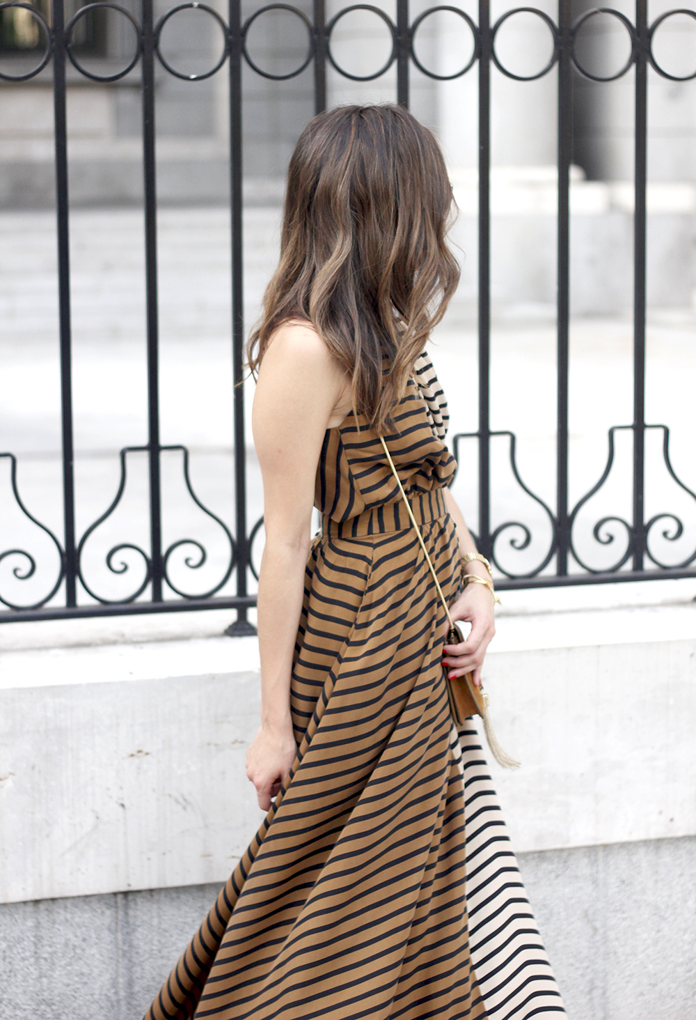 Maxi Striped Dress summer outfit sunnies uterqüe black sandals style fashion29