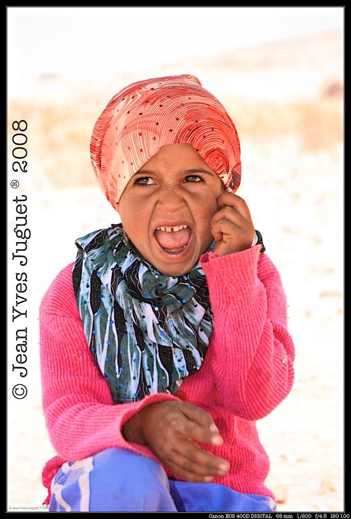 enfant du d sert en jordanie child of the desert in jorda flickr. Black Bedroom Furniture Sets. Home Design Ideas