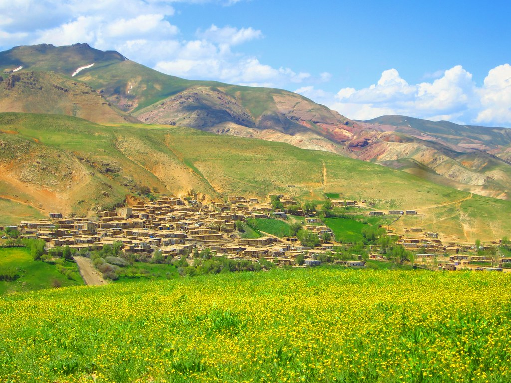 Upper Agh Darreh Village Nestled In The Zagros Mountains O