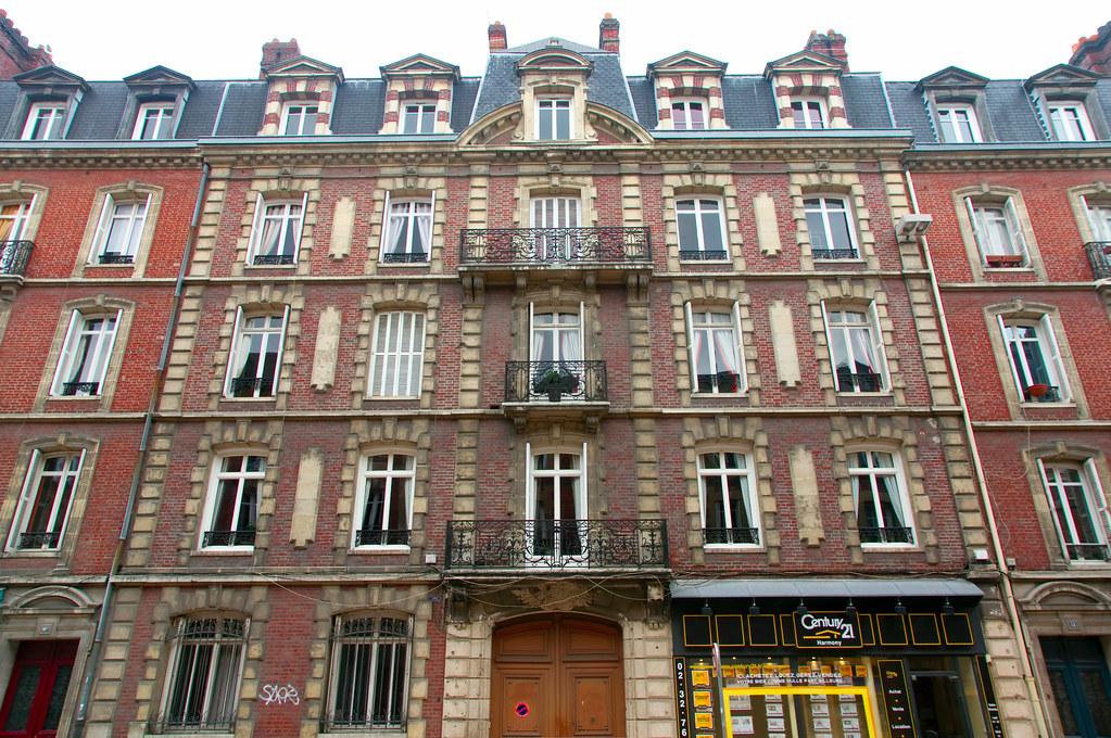 immeuble en brique rouge immeuble en brique rouge rue alsa flickr. Black Bedroom Furniture Sets. Home Design Ideas