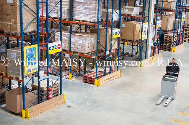 manutention chez fiter filiale logistique du distributeur. Black Bedroom Furniture Sets. Home Design Ideas
