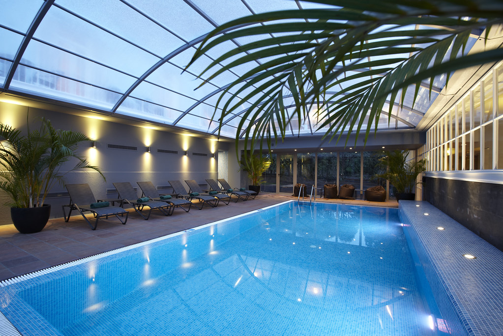 Hotel portobay serra golf indoor pool learn more at for Building an indoor swimming pool