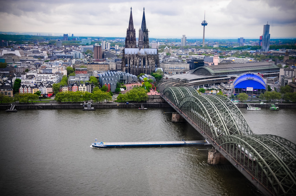 cologne cathedral hohenzollern bridge k ln hauptbahnhof flickr. Black Bedroom Furniture Sets. Home Design Ideas