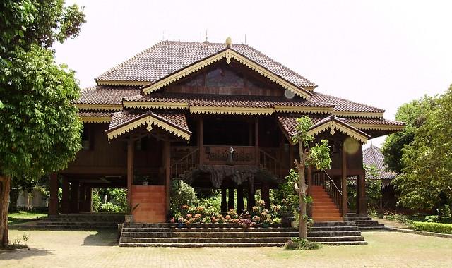 Rumah Adat Tradisional Jajar Intan Lampung Flickr Image