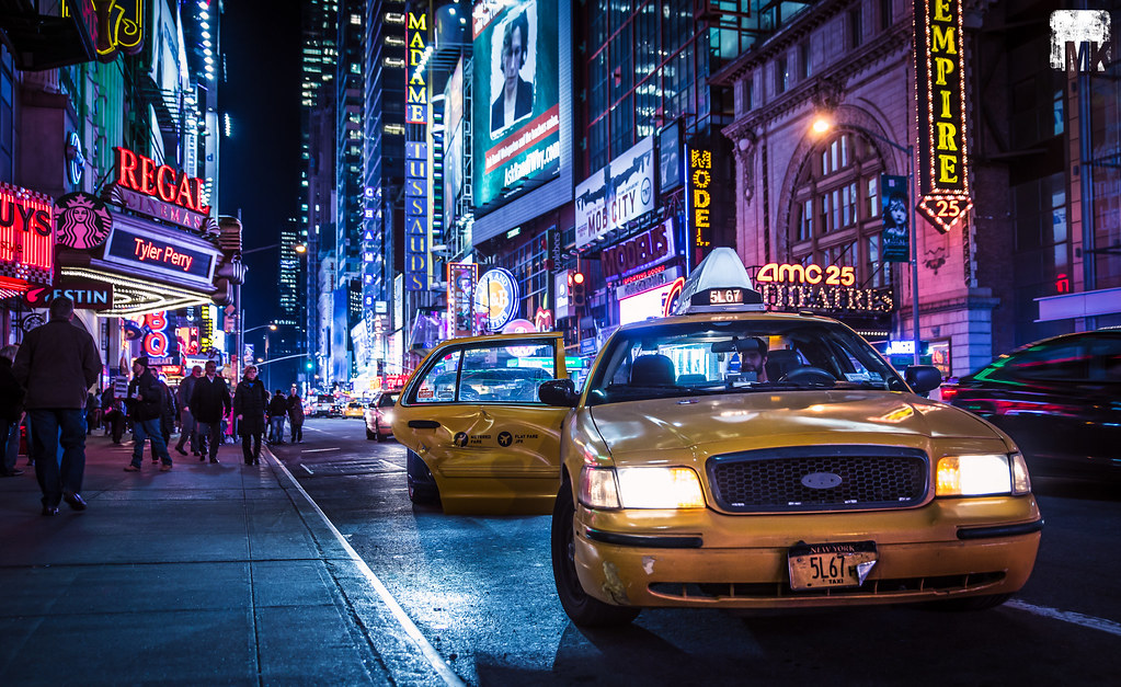 Our full-service Hilton hotel is located on famous 42nd Street (between 7th and 8th Ave) with some accommodations providing panoramic views of Times Square.