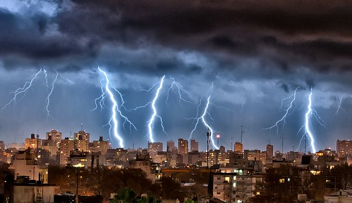 Rayos sobre Buenos Aires XXII - Lightnings over Buenos Aires XXII | by celta4