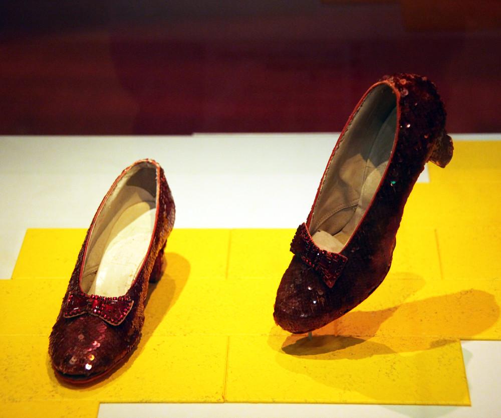 Red Shoes Seven Dwarfs
