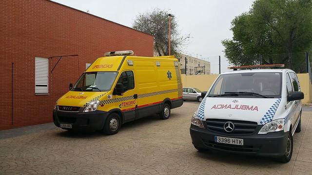 AionSur 26216084104_072b72bec1_z_d Los técnicos de ambulancia del Centro de Salud piden instalaciones adecuadas para los vehículos Salud
