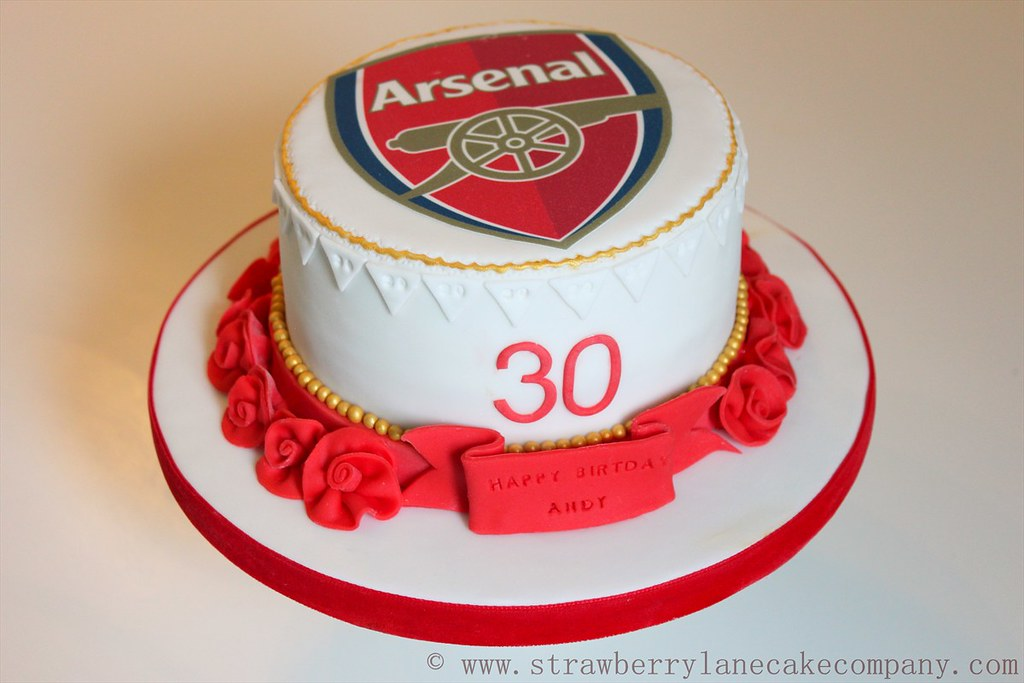 Arsenal Football Cake  Made for an Arsenal lovers 30th Bir ...