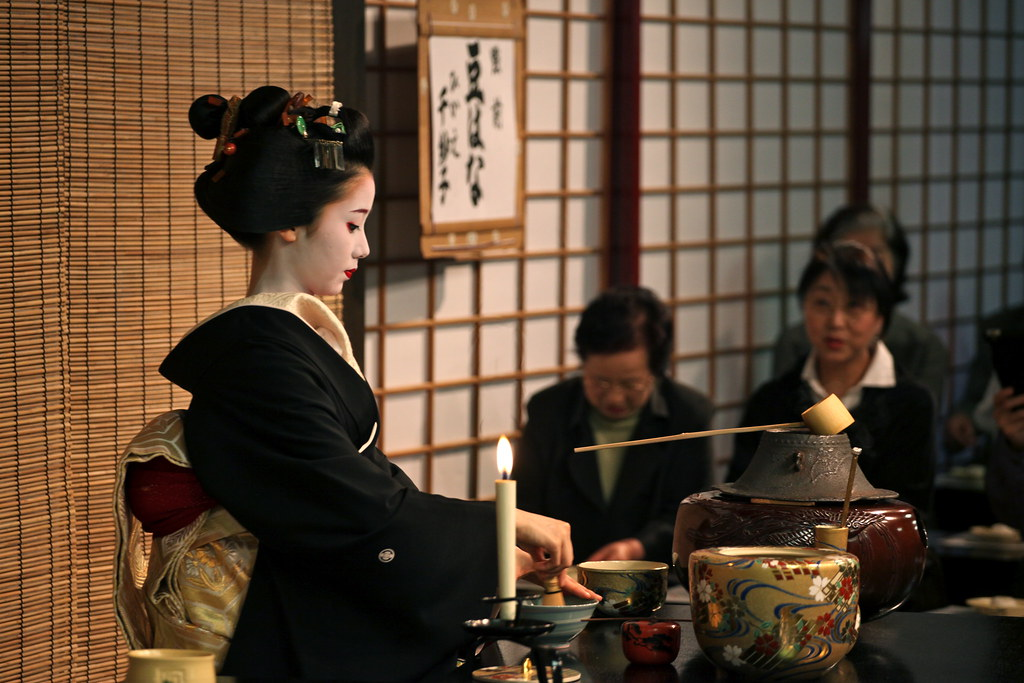 an overview of the traditional japanese tea ceremony Many non-japanese know a thing or two about traditional tea ceremony, its history, intricacies and religious origins however, few people outside japan.