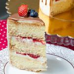 Творожно-сливочный бисквит с ягодами