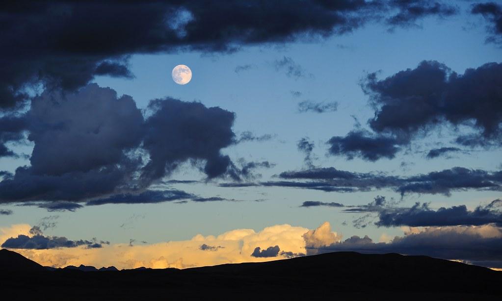 full moon over the lake manasarovar  tibet