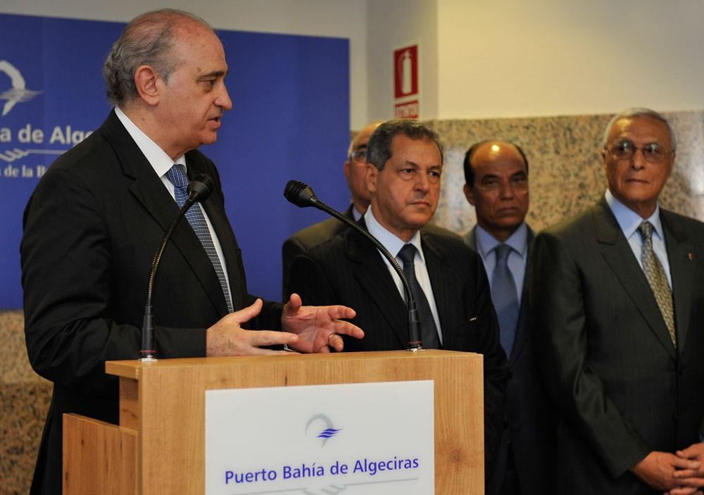 Los ministros del interior de espa a y marruecos inauguran for Ministros de espana