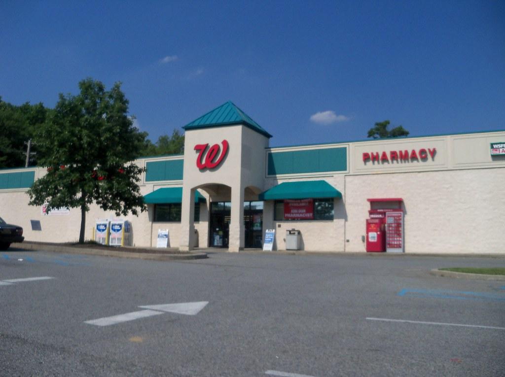 Happy Harry 39 S Walgreens Newark De Store 45 Paper Mi Flickr