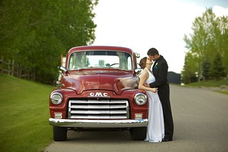Christina & Peter | Lynx Ridge Golf Course Red GMC | by Drew Gregory Photography