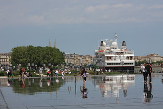 Reflection - Accostage du Paquebot Silver Explorer à Bordeaux - 12 mai 2012 | by Jonathan d[-_-]b